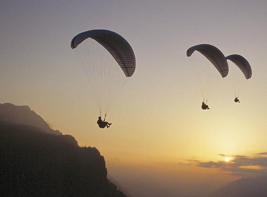 Sport in volo: Parpendio e Deltaplano