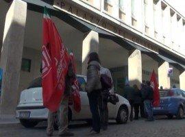 L'Aquila, Cgil Cisl e Uil manifestano contro i tagli