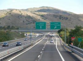 A24 e A25, vento forte: tratto tra Assergi e Teramo chiuso a furgonati e caravan