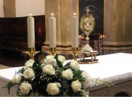 Preghiera mensile per la Chiesa dell'Aquila a piazza Duomo