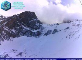 Associazione meteo Aq caput frigoris, webcam al Rifugio Franchetti, oggi raffiche fino a 175 km/h (+++CONCESSA PER L'USO SOLTANTO IN ABBINAMENTO ALLA NOTIZIA+++)