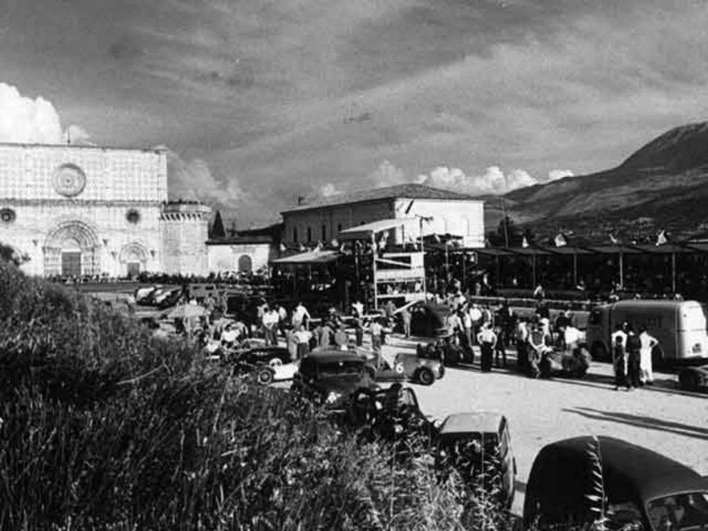 Circuito di Collemaggio (Gran Premio Pietro Cidonio), piazzale Santa Maria di Collemaggio Anno: 1950-1963 Aggiunta da Carlo Galeazzi