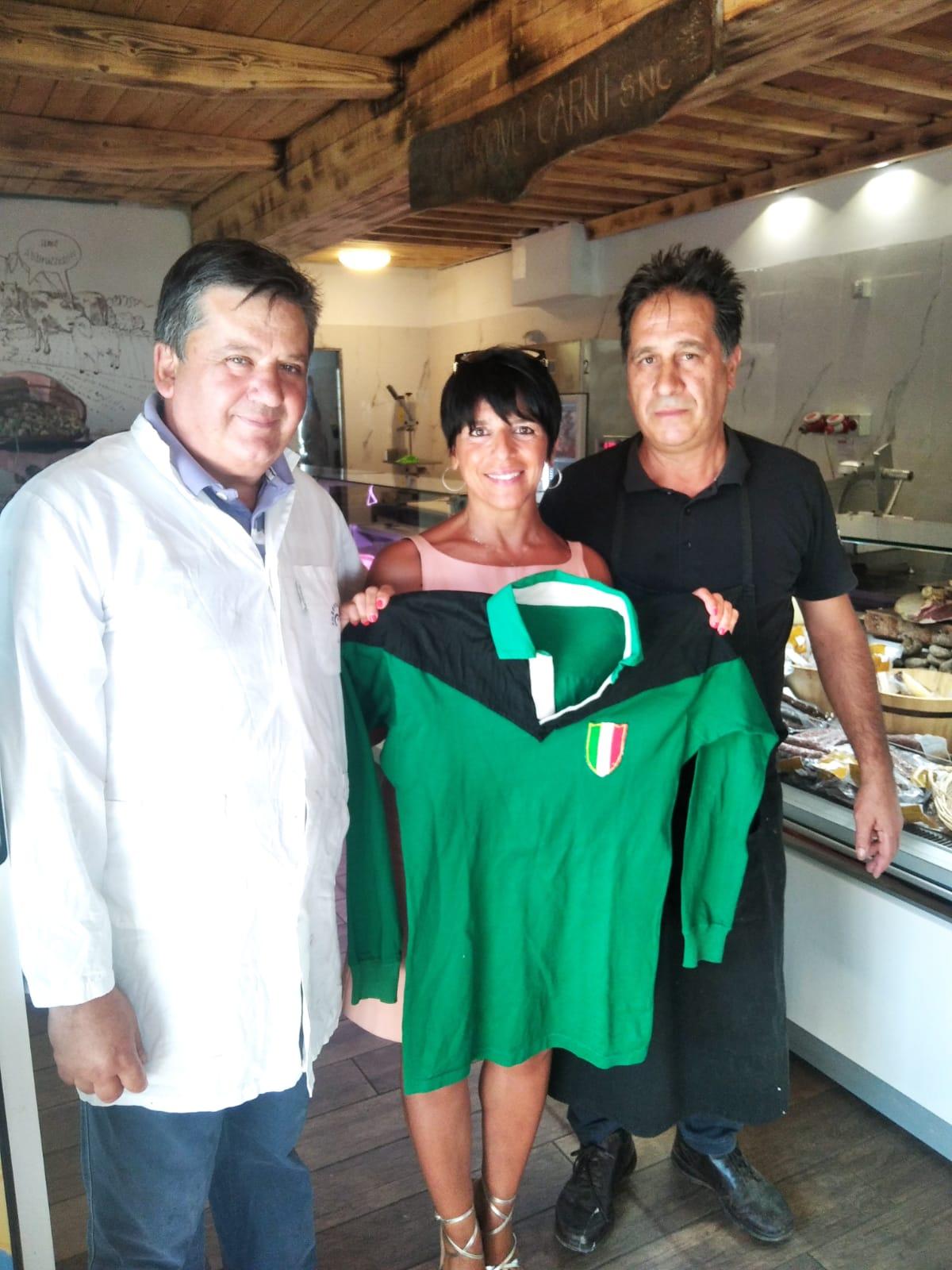 Fratelli Rovo Carni e la presidente dell'Aquila Rugby Carla Ianni
